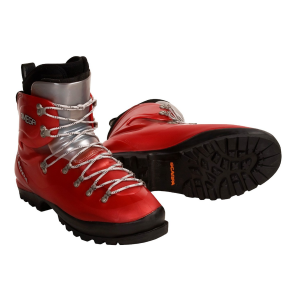 mountaineering-boots